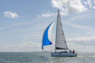 Ikone7.50 en Cat Boat avec SPI